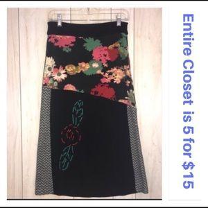 Fleur de Lis Patchwork Floral Embroidered Skirt
